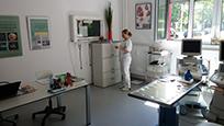 Bild: Behandlungsraum Praxis Dr. med. vet. Ralf Tobias